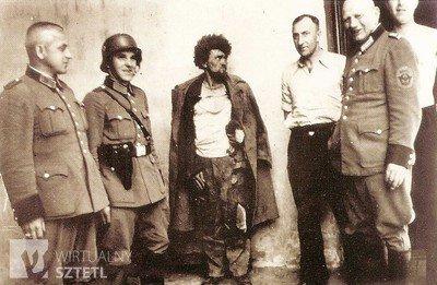 jews-amongst-german-soldiers-zawiercie