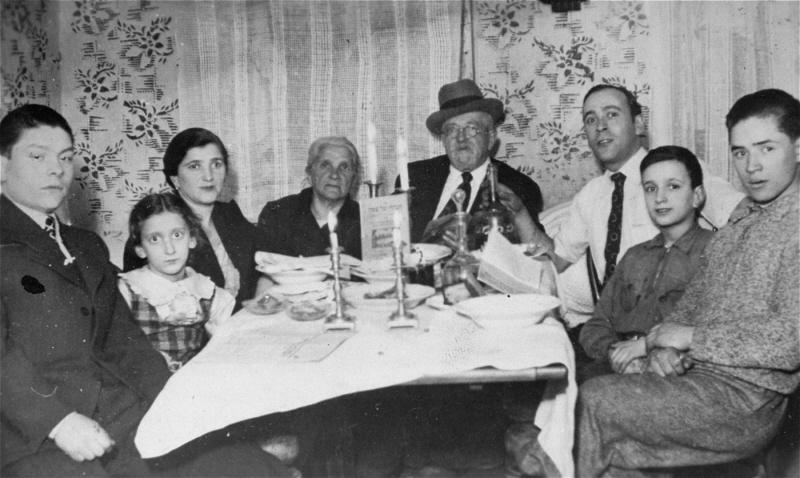 passover-seder-1939