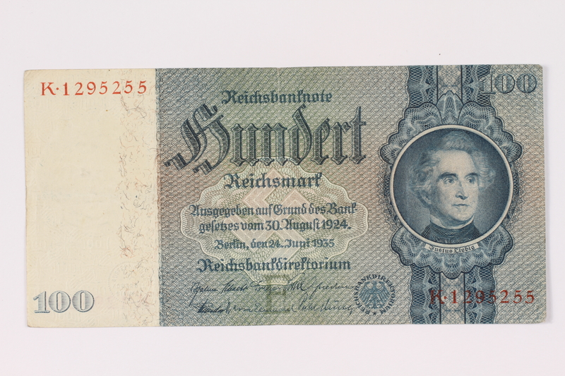 Front of a German 100 Mark paper note